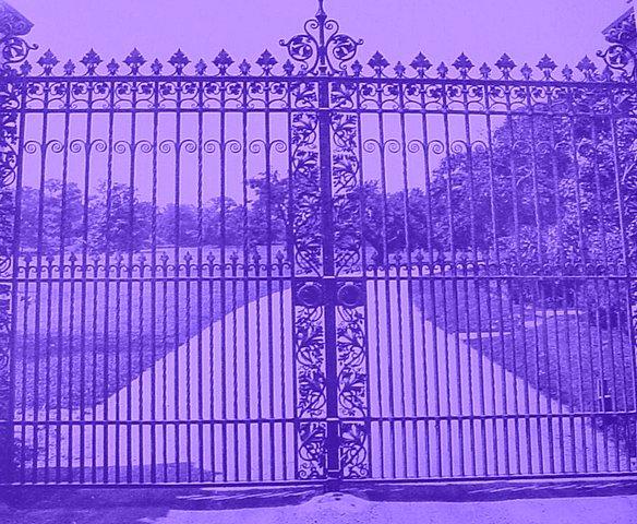 Gate12B.jpgUH