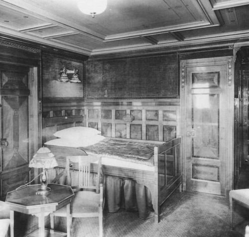 05_titanic_1st_class_stateroom