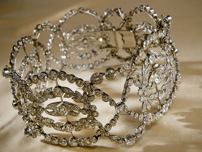 Cartier choker necklace made in 1906
