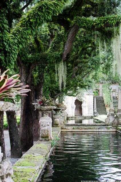 Vizcaya_garden_fountain