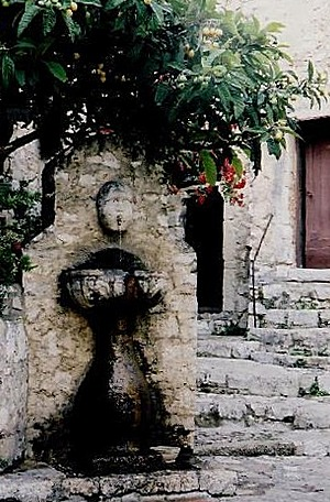 656906-Famous_Fountain_Eze