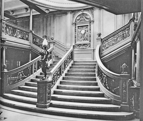 01_grand_staircase