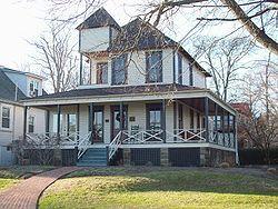 250px-Douglass_Summer_House_Dec_09