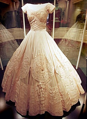 Jacqueline-kennedy-wedding-gown2