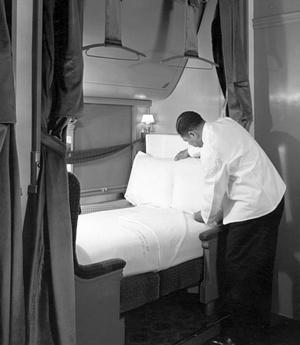 Pullman-13-01-03-Bx_1-Fl_#34,-Car-Service,-Porters-Preparing-Beds,-1940
