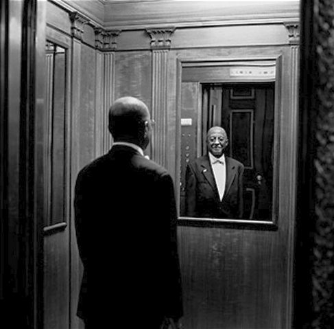 Elevator-doorman