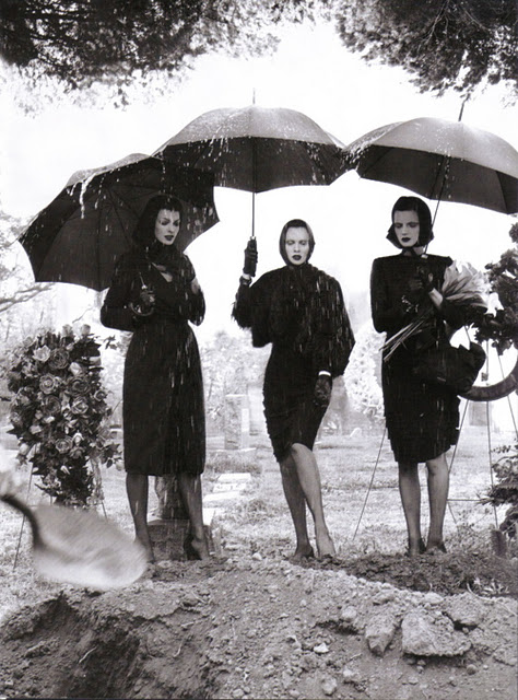Vogue+Italia+August+2008+by+Steven+Meisel3